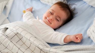 baby-sleeping-in